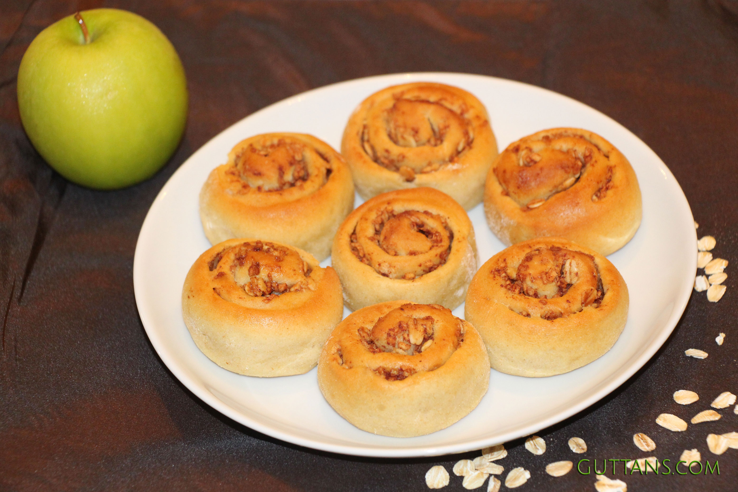 Apple Cinnamon Oats Swirls
